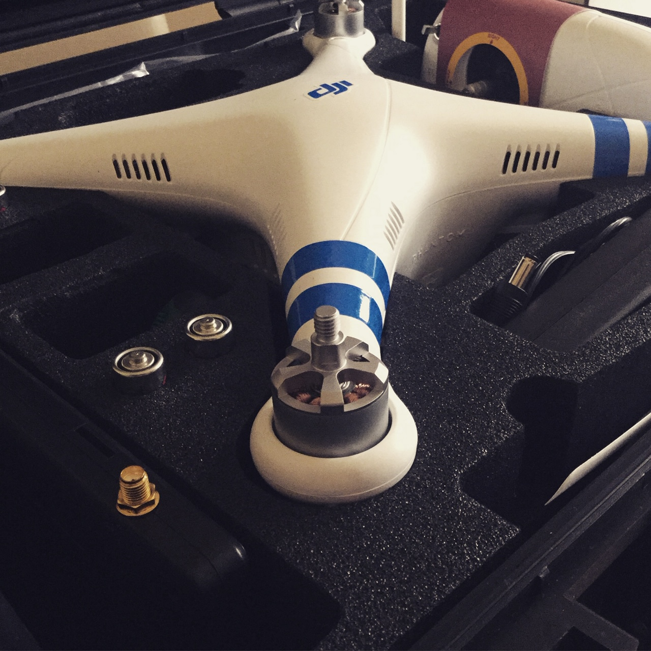 dji phantom in box